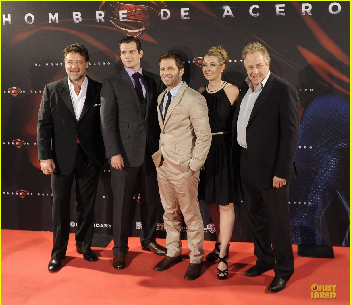 henry cavill russell crowe man of steel madrid premiere 03