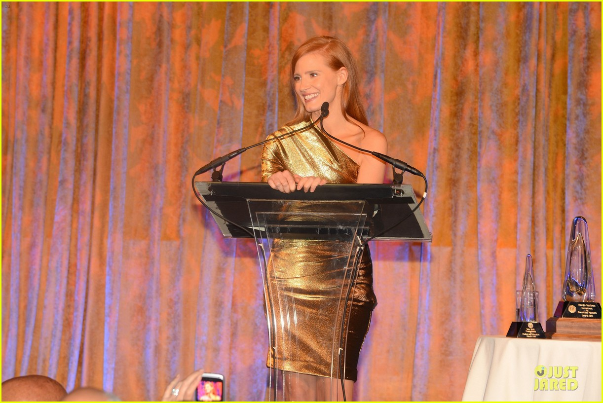 jessica chastain fashion institute of technology gala 02
