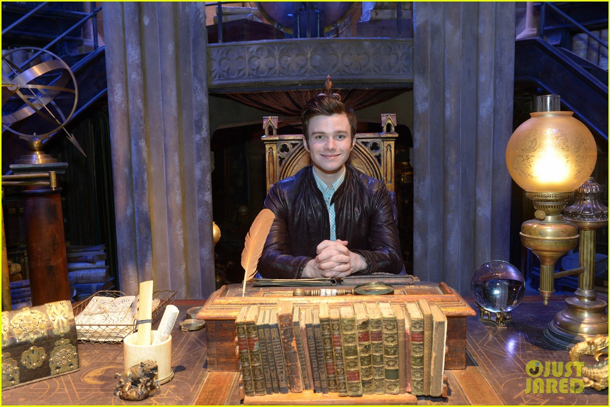 chris colfer harry potter studio tour in london 18