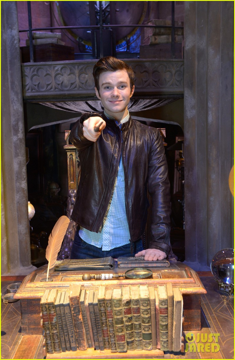 chris colfer harry potter studio tour in london 24