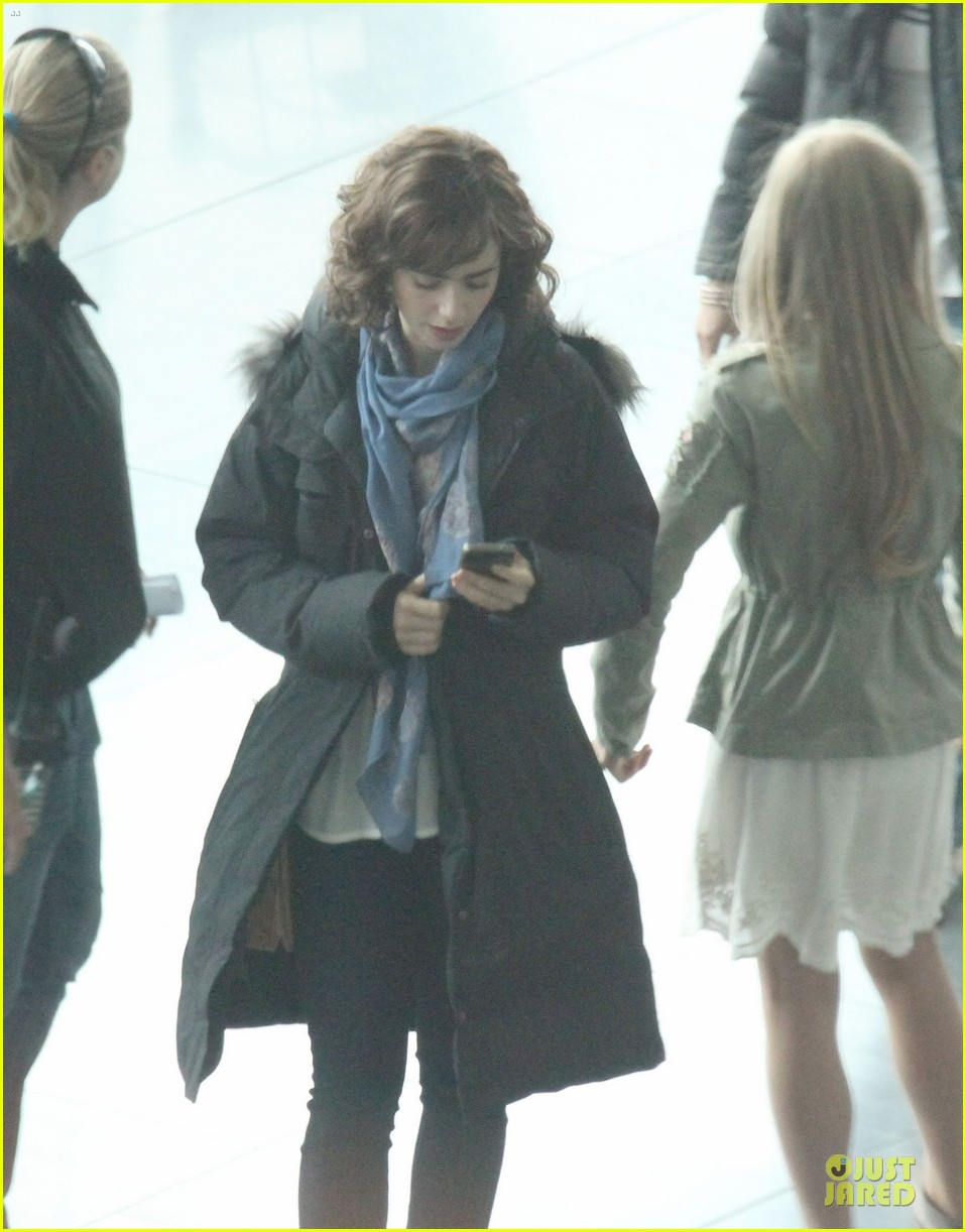 lily collins love rosie airport scene with jaime winstone 072899022