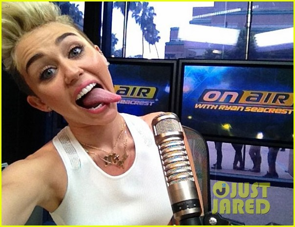 miley cyrus we cant stop interview with ryan seacrest 032883603
