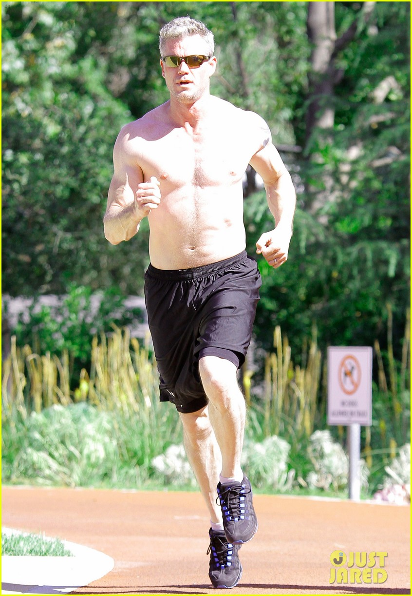 eric dane shirtless workout at coldwater canyon park 152895365