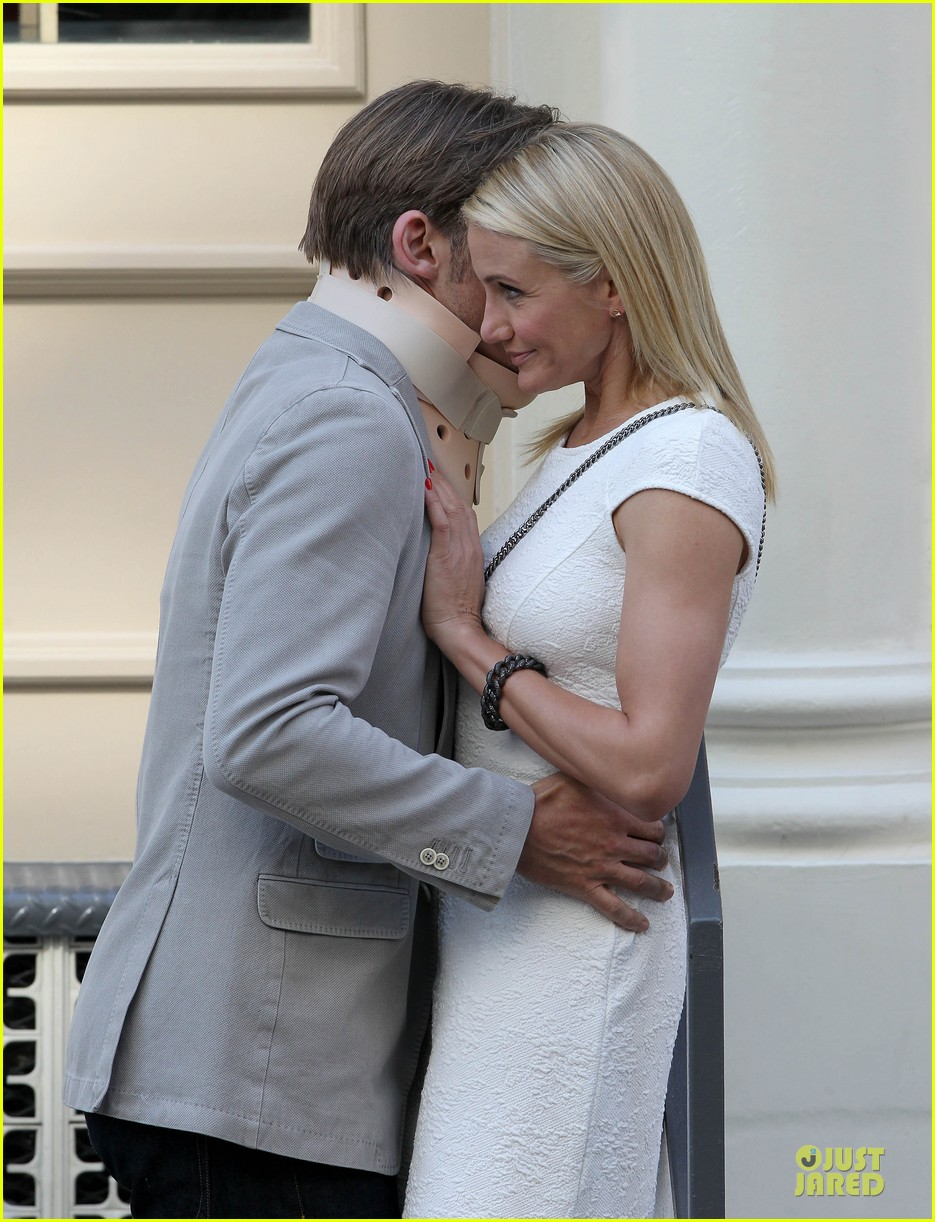 cameron diaz nikolaj coster waldau neck brace on other woman set 042895985