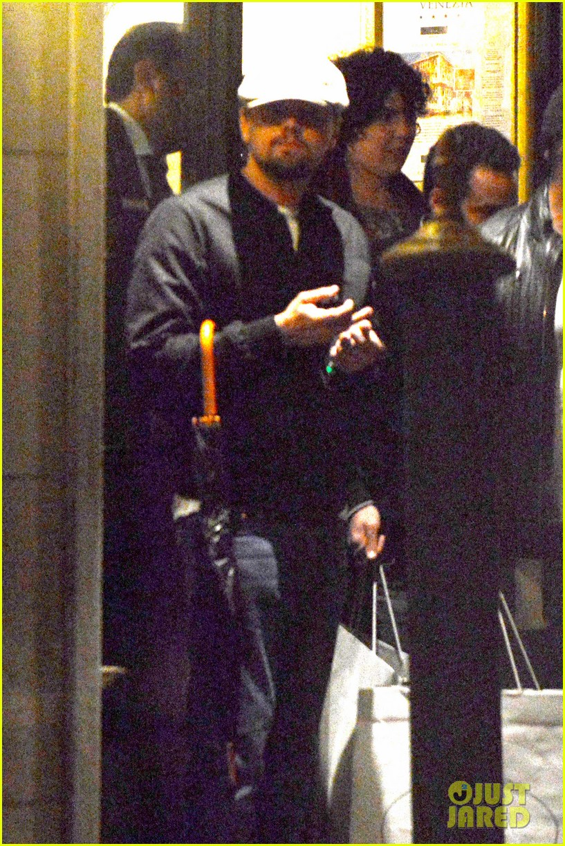 leonardo dicaprio venice night out with mom irmelin 06
