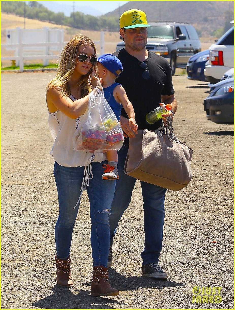 hilary duff family farm fun with sister haylie 412896849