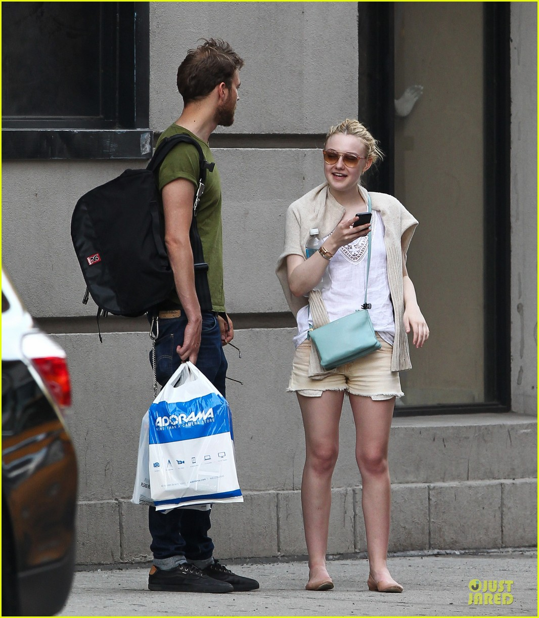 Jamie Strachan And Dak... Dakota Fanning