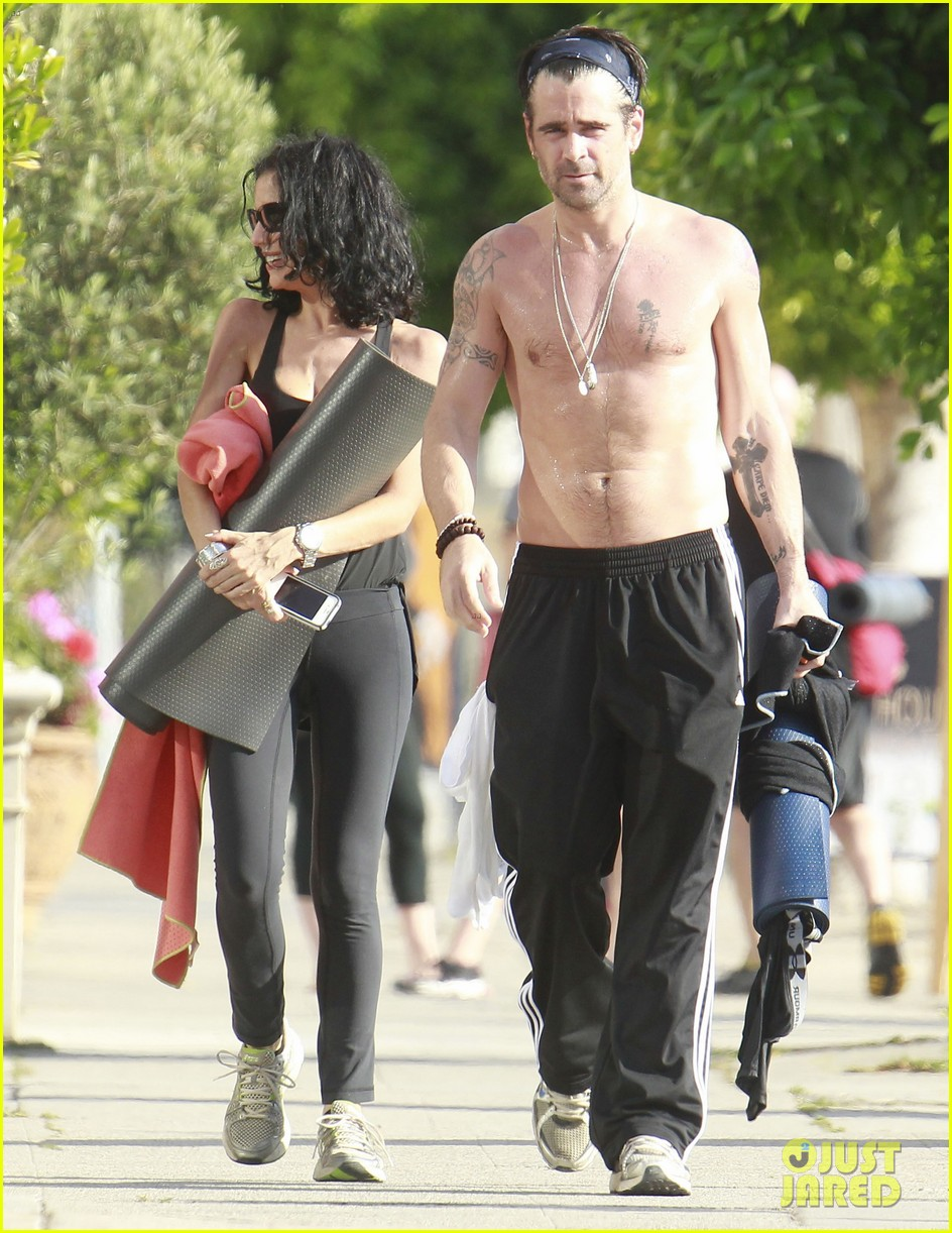 colin farrell shirtless yoga with sister claudine 02