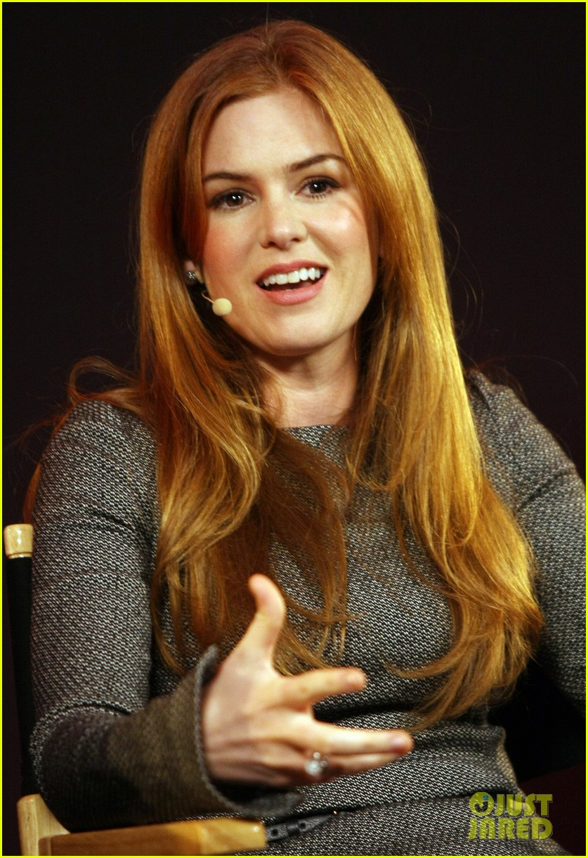 isla fisher apple store appearance in london 04