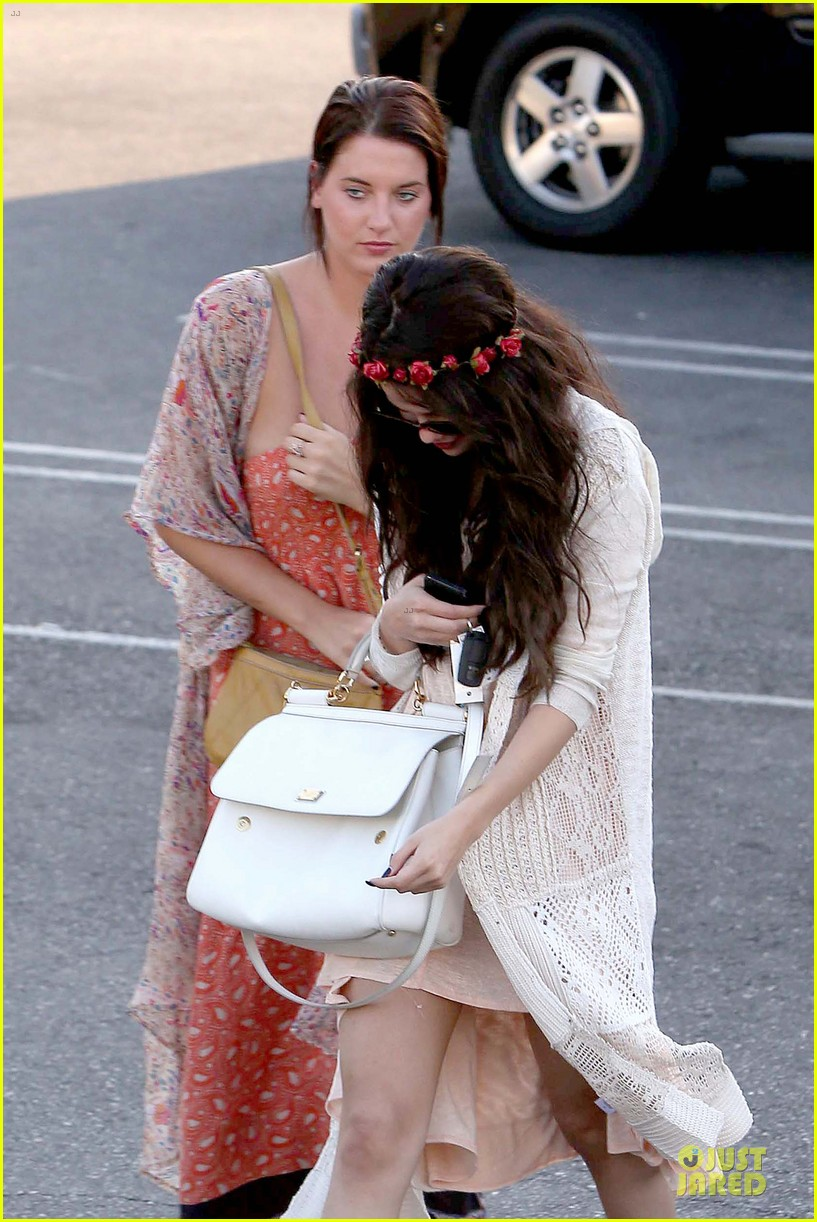 selena gomez im grateful for well wishes to baby sister gracie 06