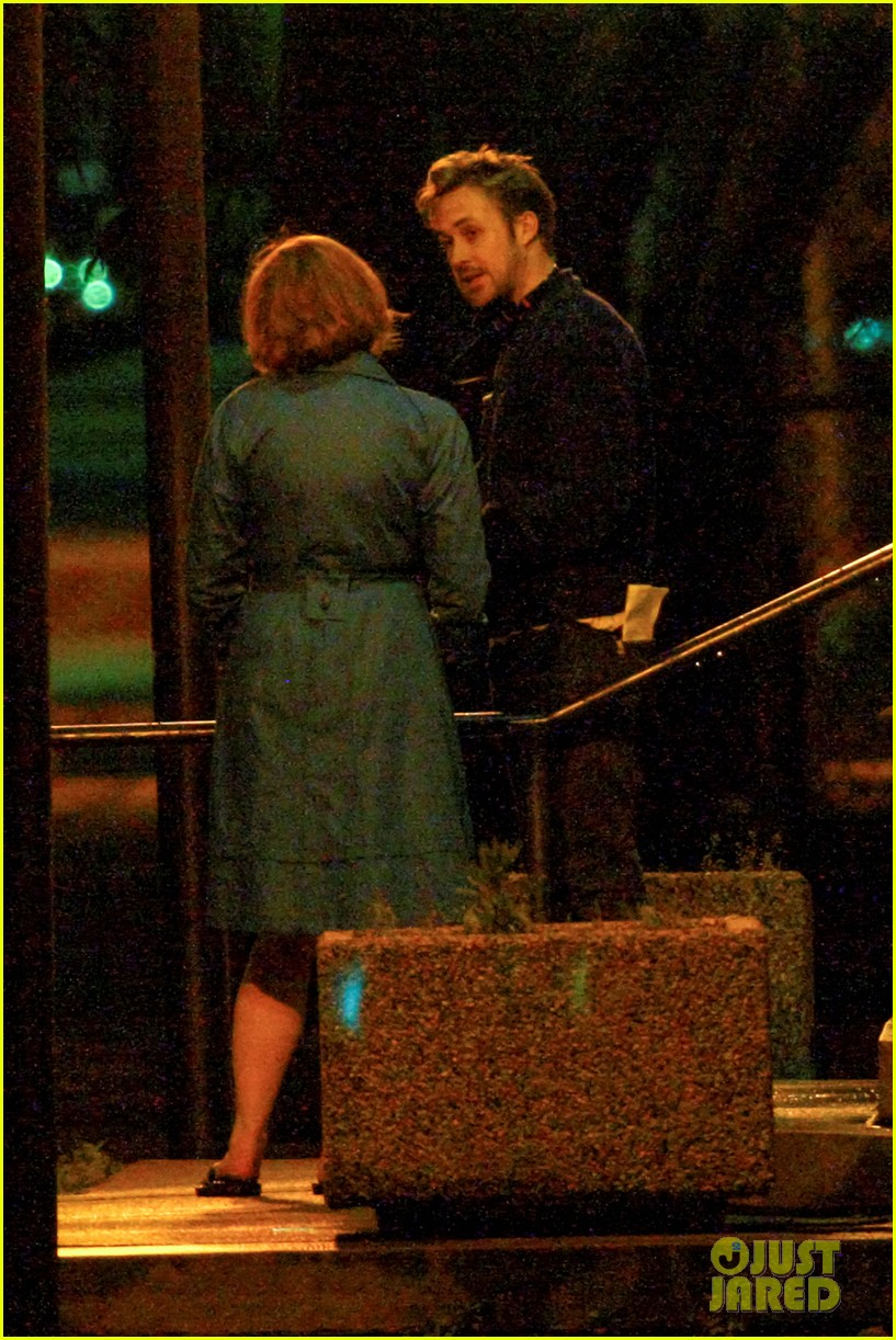 ryan gosling christina hendricks late night on monster set 02