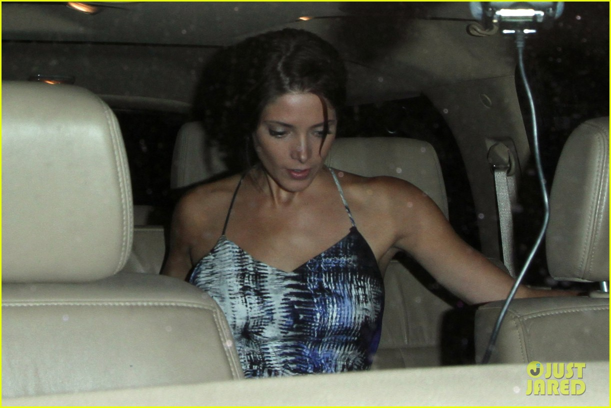 ashley greene wonderful night out with friends 212885676