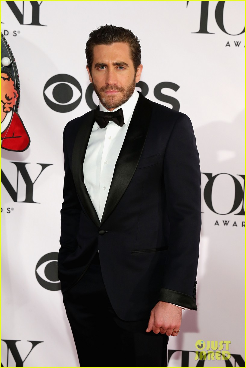 jake gyllenhaal tony awards 2013 red carpet 012887945