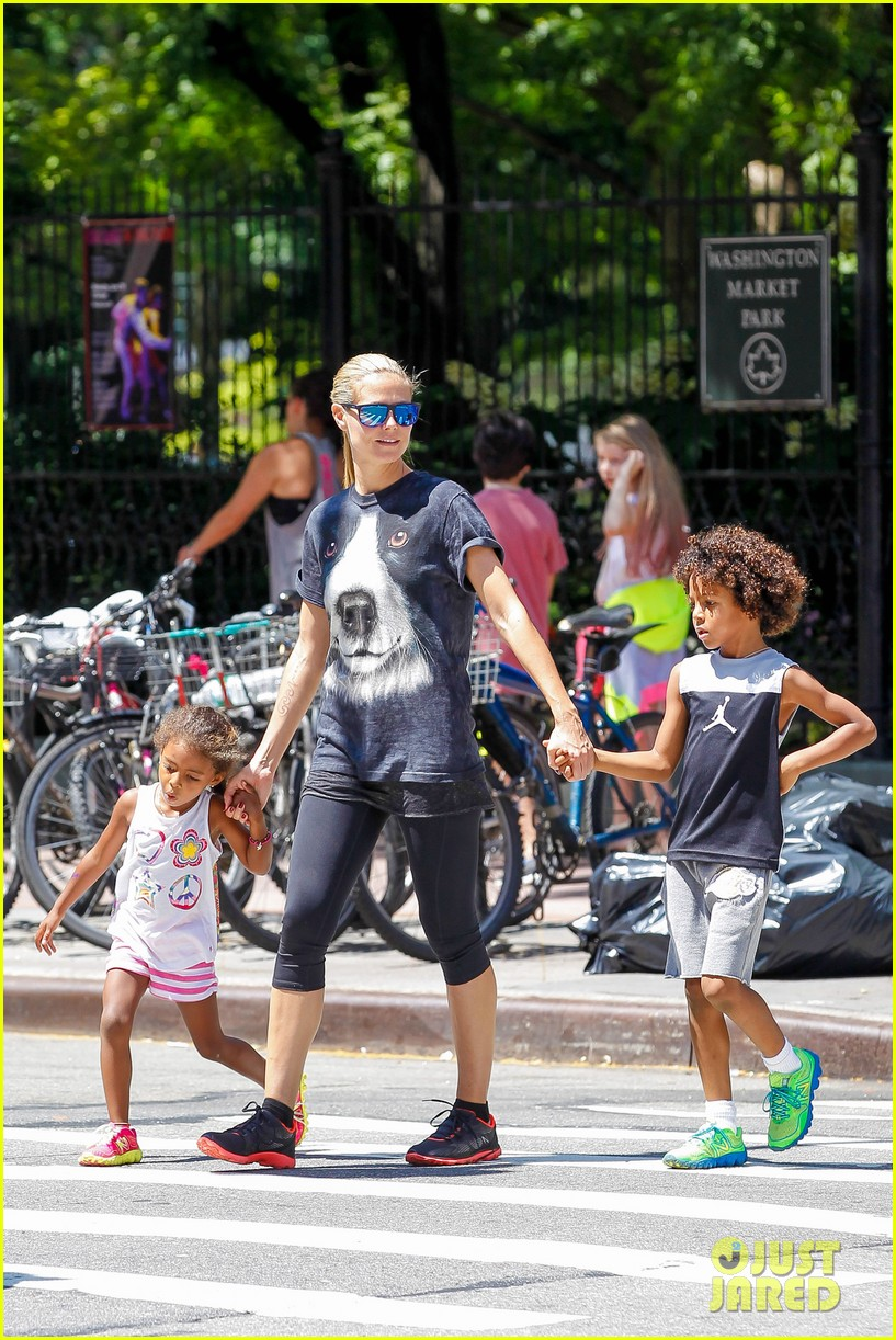 heidi klum martin kirsten take the kids to the park 162897201