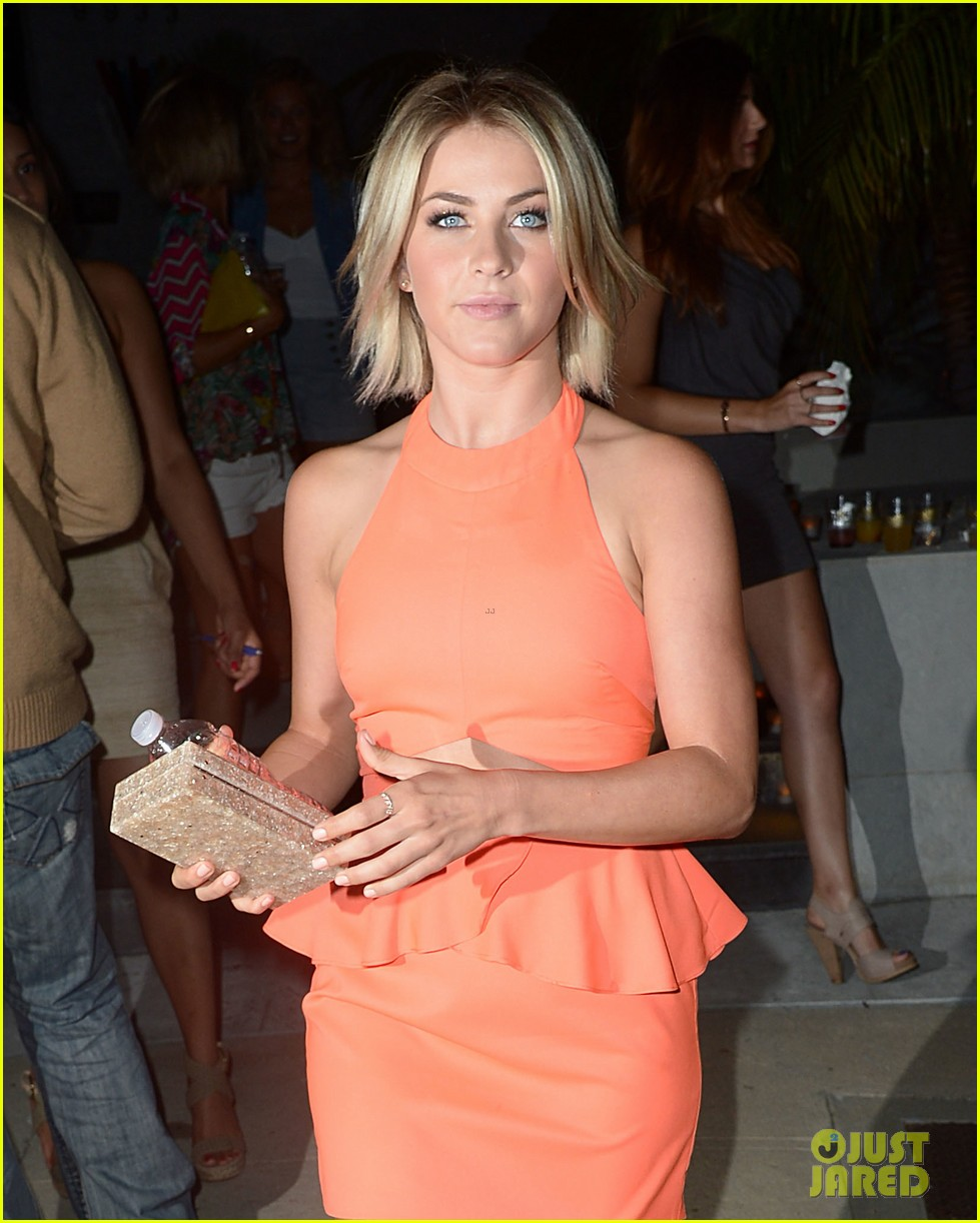 julianne hough jessica szohr svedka splash summer party 10