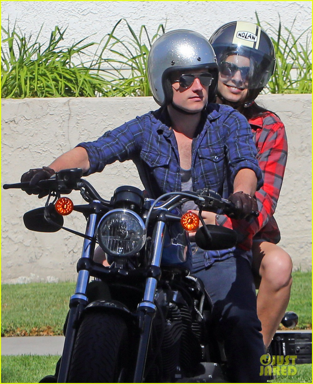 josh hutcherson claudia traisac kiss after motorcycle ride 04