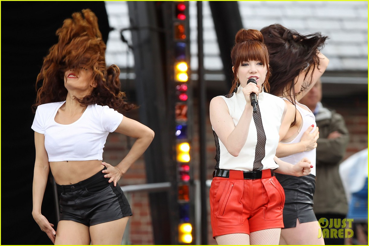 carly rae jepsen rocks good morning america 14
