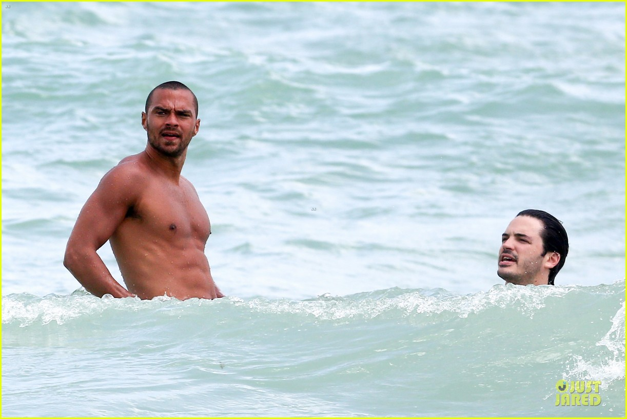 jesse williams shirtless miami vacation 12