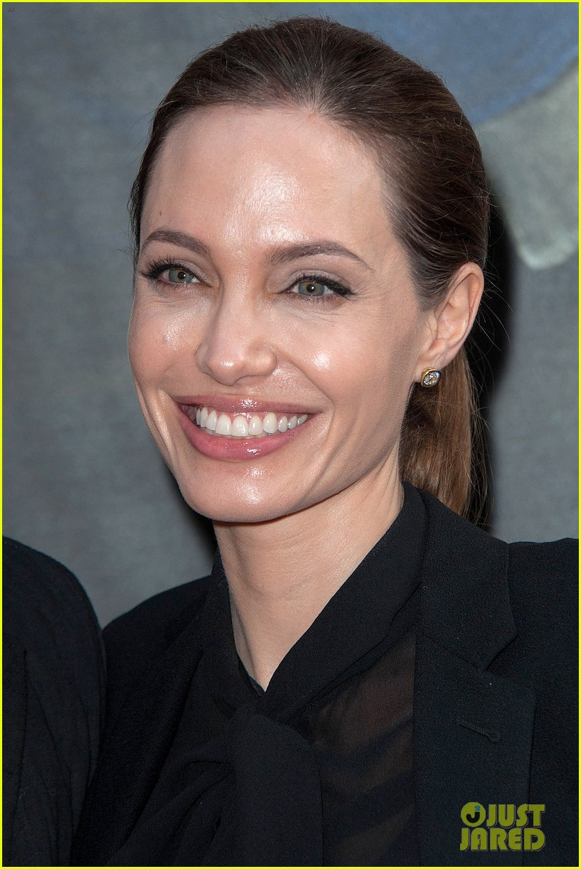 angelina jolie brad pitt world war z paris premiere 042883645