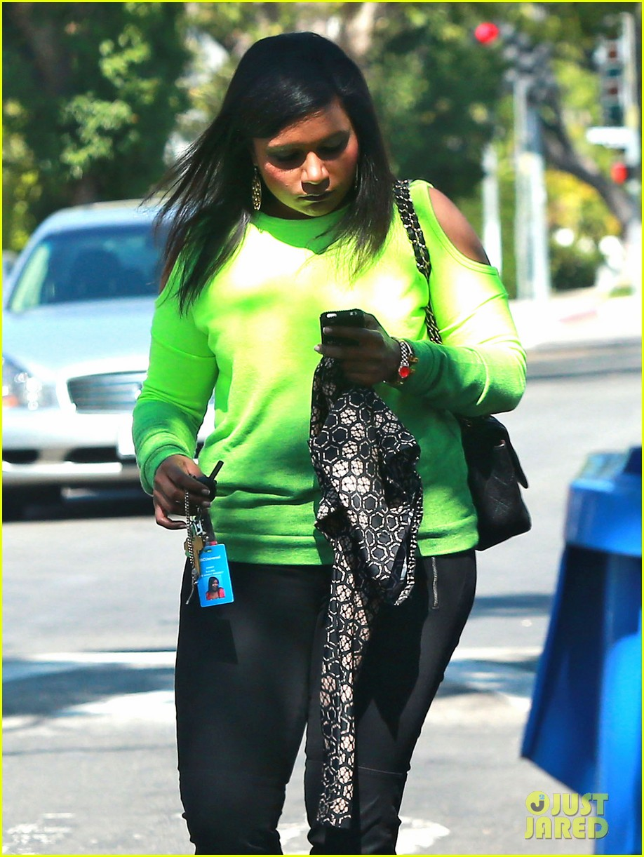 mindy kaling i wanna dance to blurred lines top optional 09