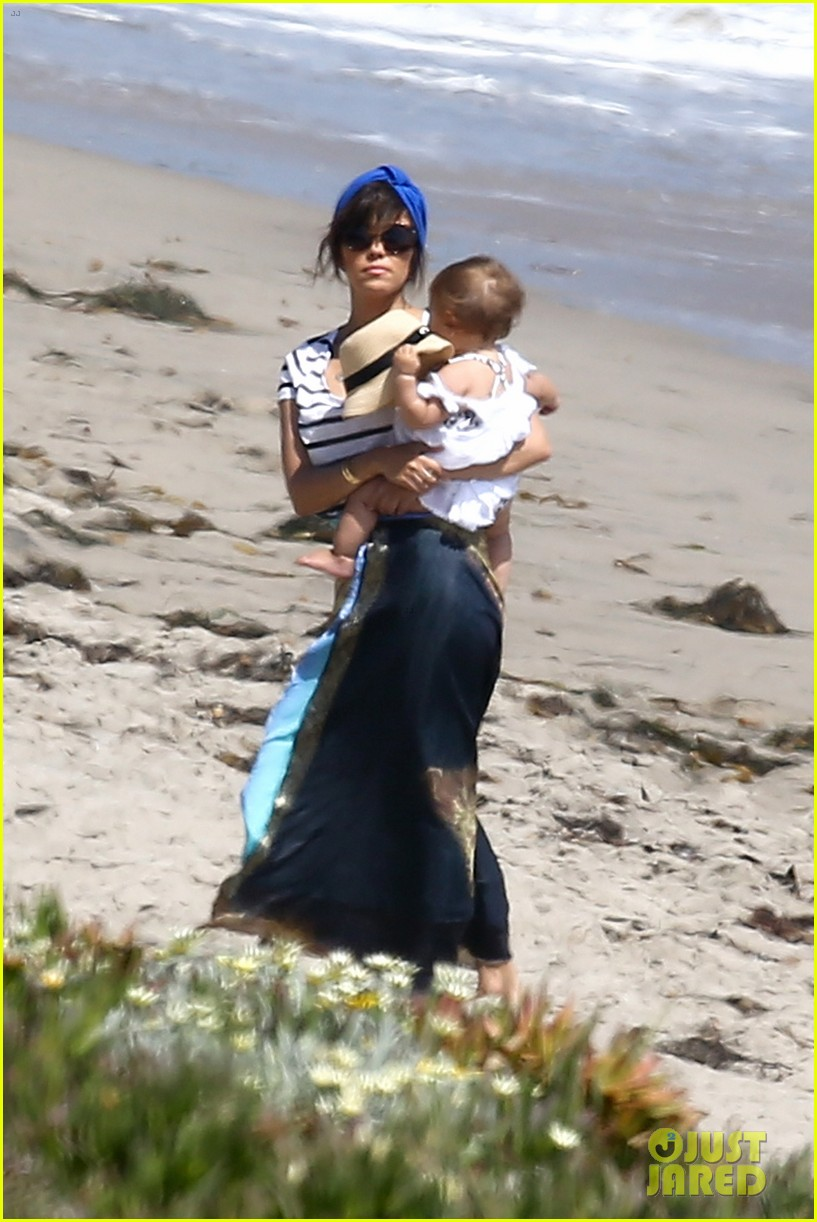 kourtney kardashian hits the beach after kim baby is born 152892810