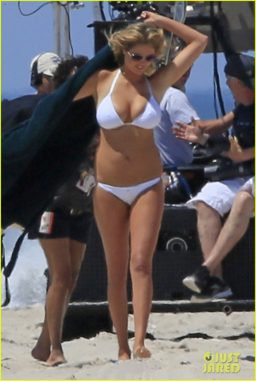 cameron diaz kate upton beach bikinis for the other woman 01