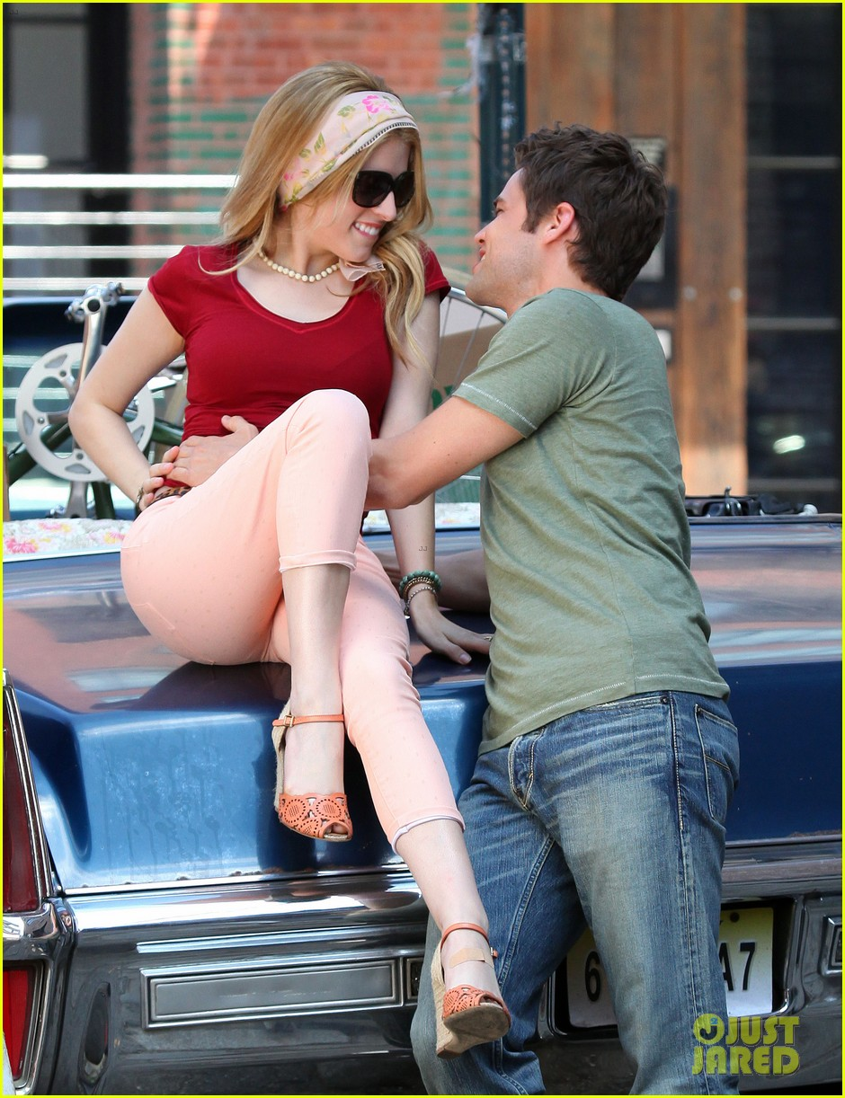 anna kendrick jeremy jordan kiss for last 5 years 052895508