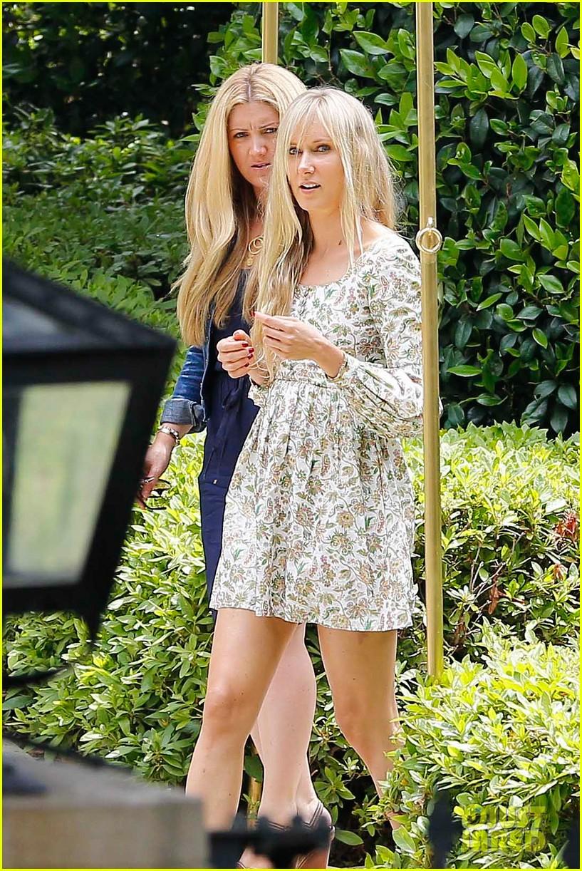 kim kardashian kanye west baby shower photos 24