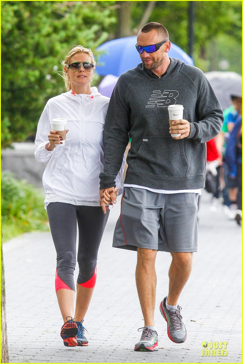 heidi klum martin kirsten holding hands during nyc run 372891565