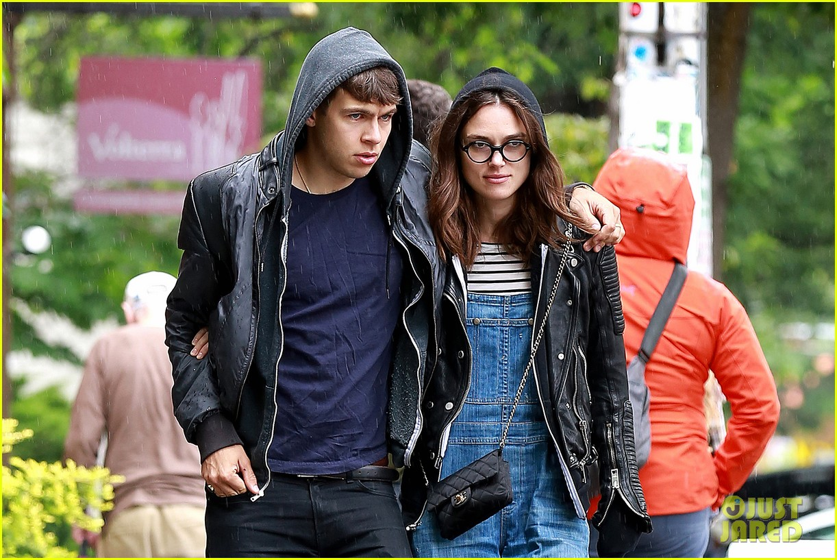 keira knightley james righton seattle kisses 042895587