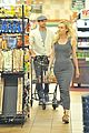 joshua jackson cuddles diane kruger in the checkout line 17