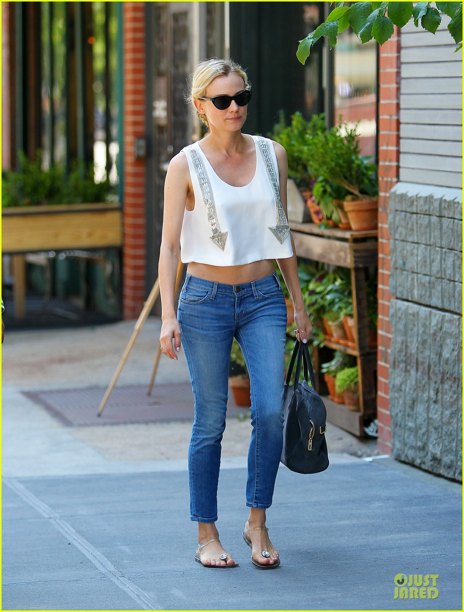 diane kruger midriff baring lunch with micah schifman 05