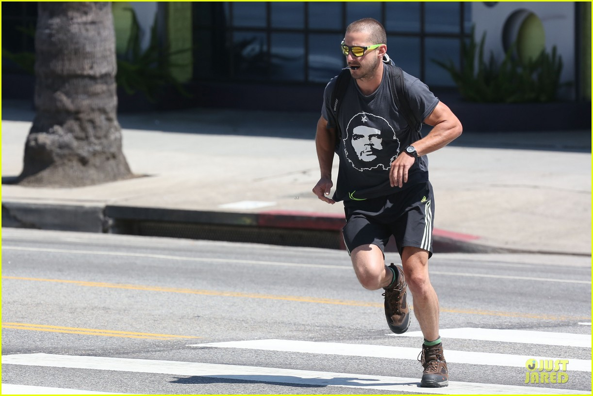 shia labeouf backpack carrying workout dude 01