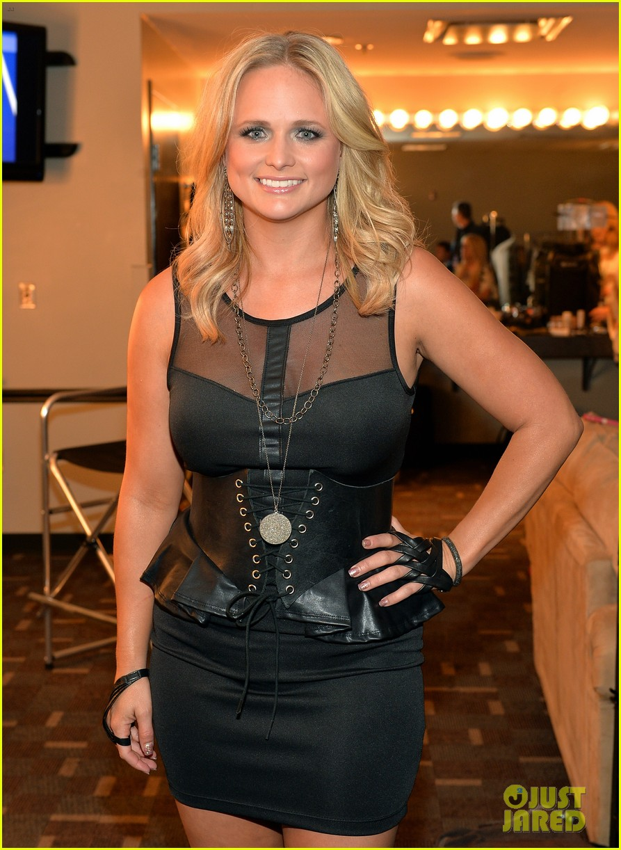 miranda lambert cmt music awards 2013 performance video 04
