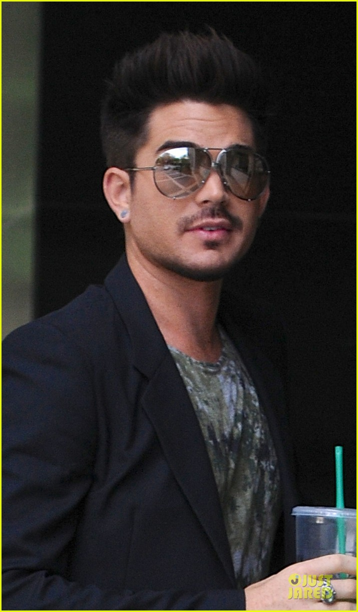 http://cdn04.cdn.justjared.com/wp-content/uploads/2013/06/lambert-police/adam-lambert-tune-into-fashion-police-tonight-02.jpg