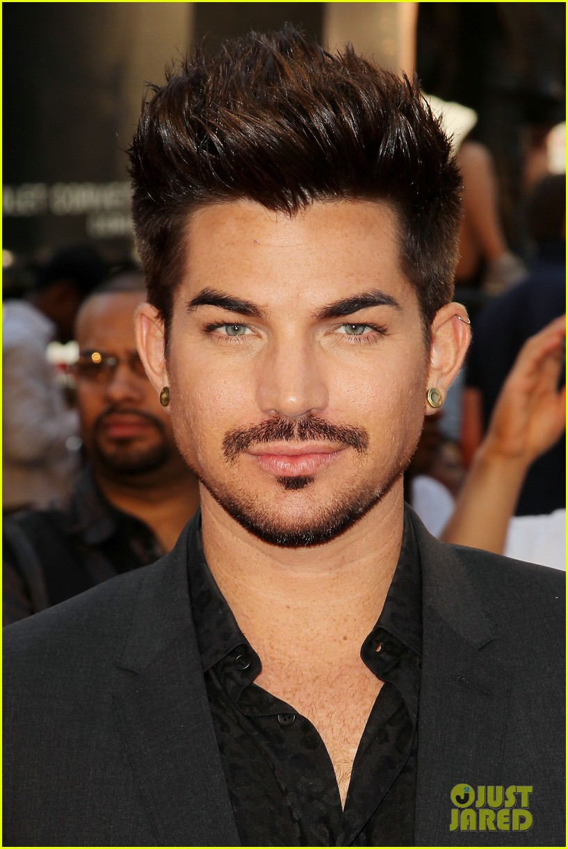 adam lambert world war z nyc premiere 022893328