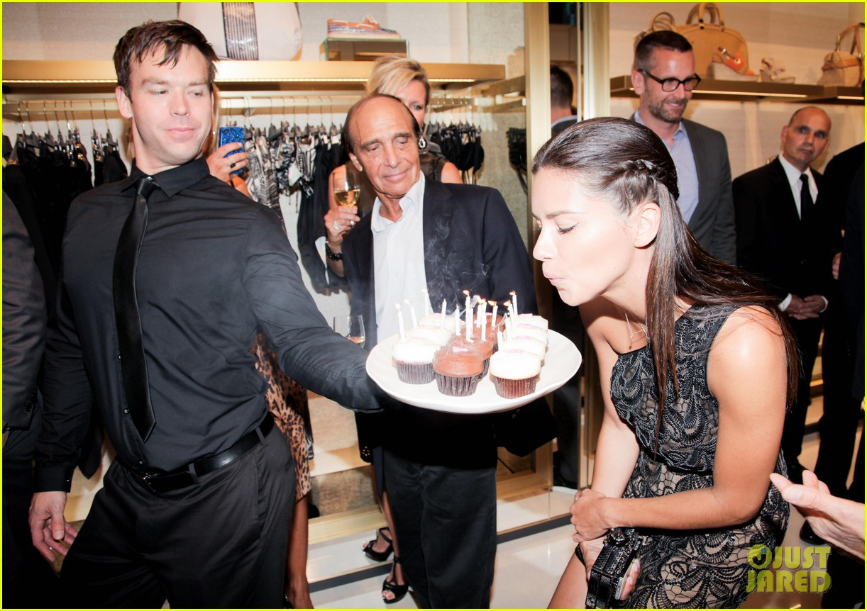 adriana lima birthday at vc store opening 07