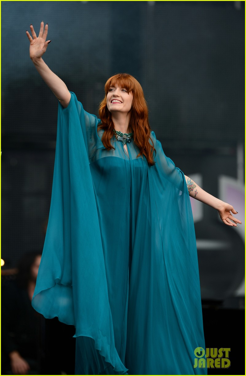 blake lively florence welch chime for change concert 042882067