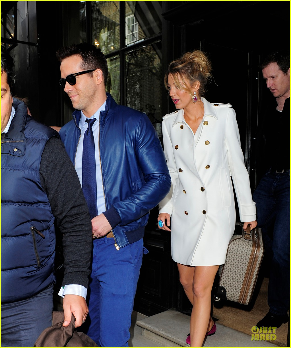 blake lively ryan reynolds stylish london hotel exit 022881961