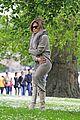 jennifer lopez photo shoot in london hyde park 05