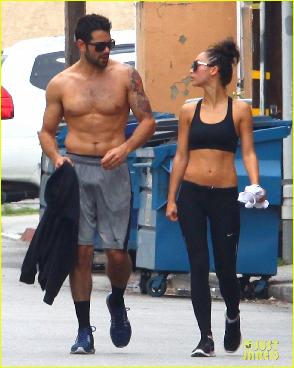 jesse metcalfe shirtless ab show after gym 14
