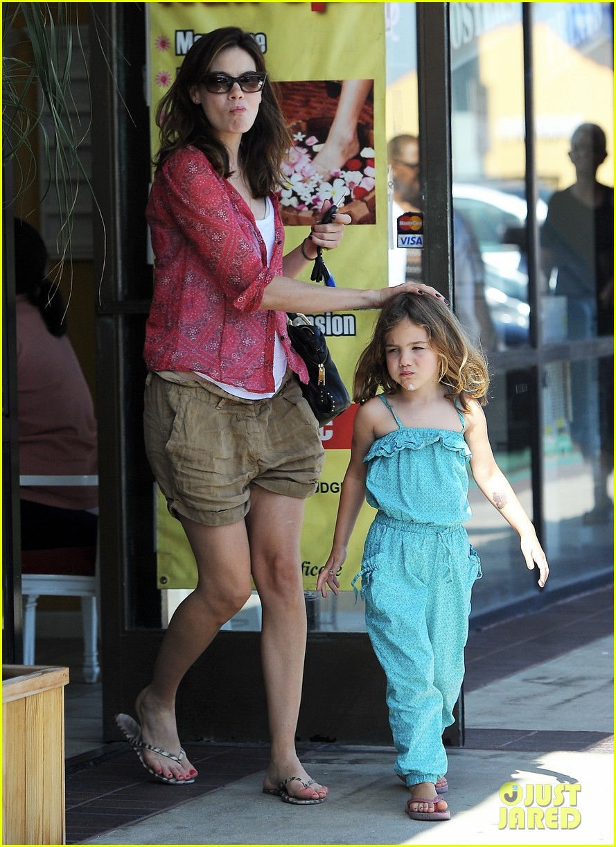 michelle monaghan visits the nail salon with willow 152896900