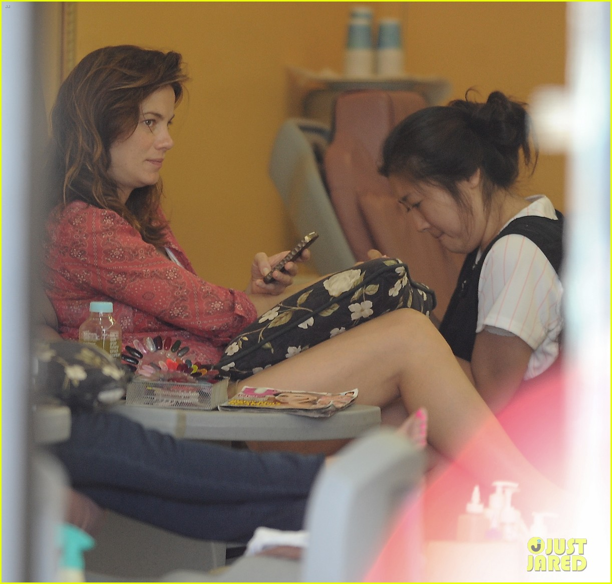 michelle monaghan visits the nail salon with willow 30