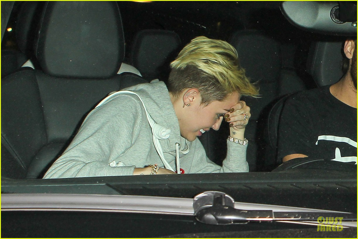 miley cyrus late night doctors appointment 022894865