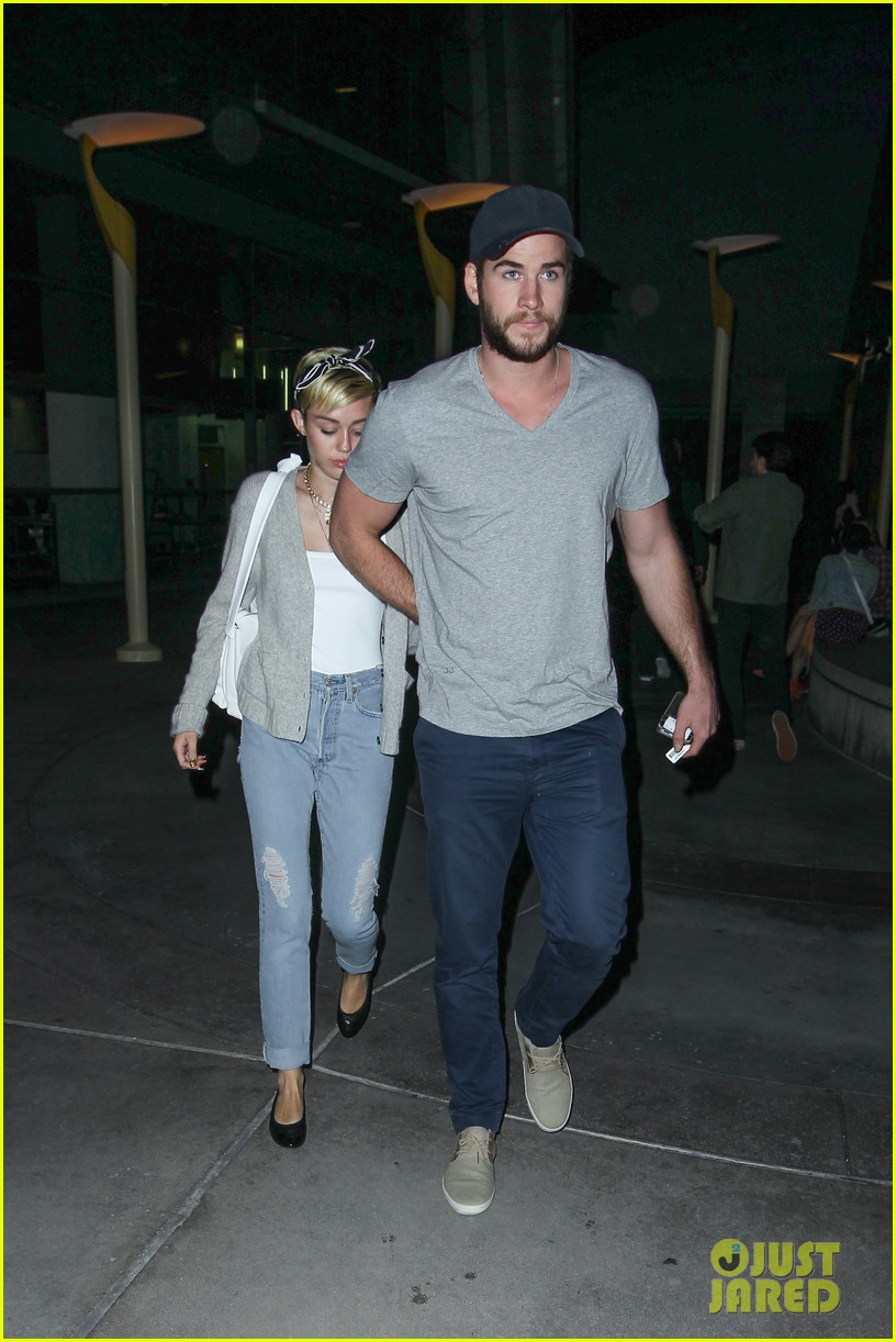 miley cyrus liam hemsworth hold hands movie date 232894568