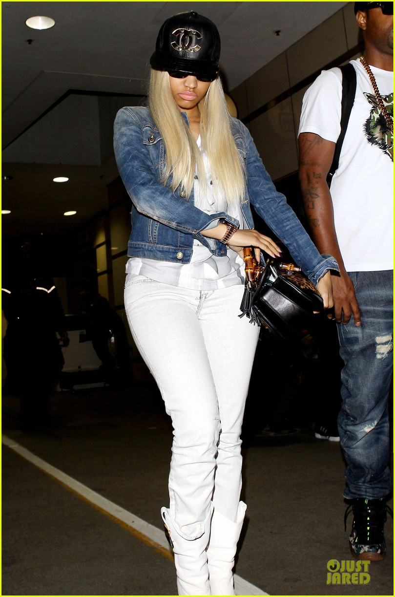 nicki minaj safaree samuels denim lax arrival 072896269