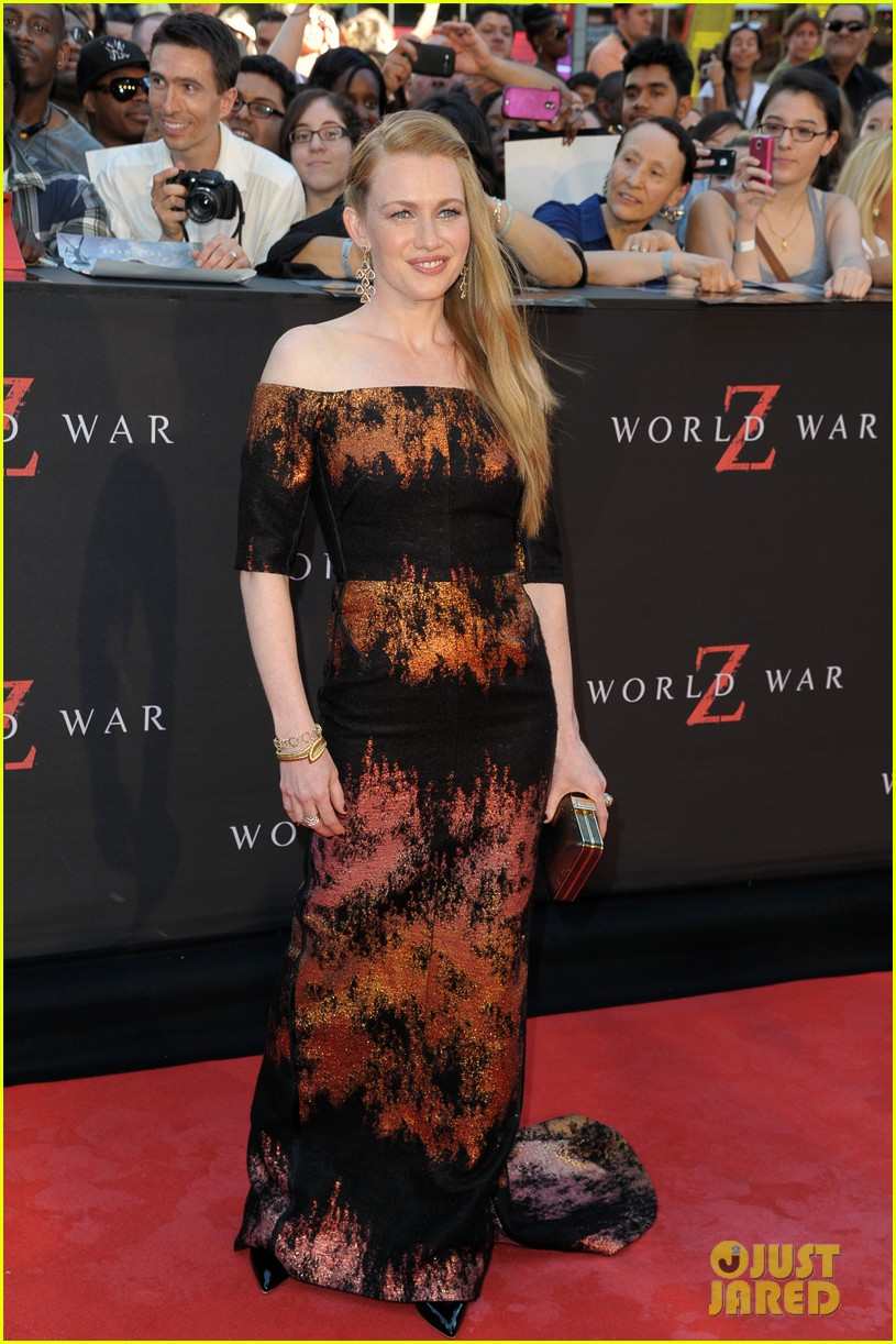 mireille enos james badge dale world war z premiere 152893227