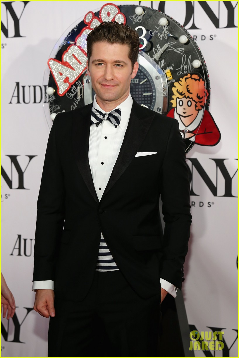 matthew morrison tony awards 2013 red carpet with renee puente 02