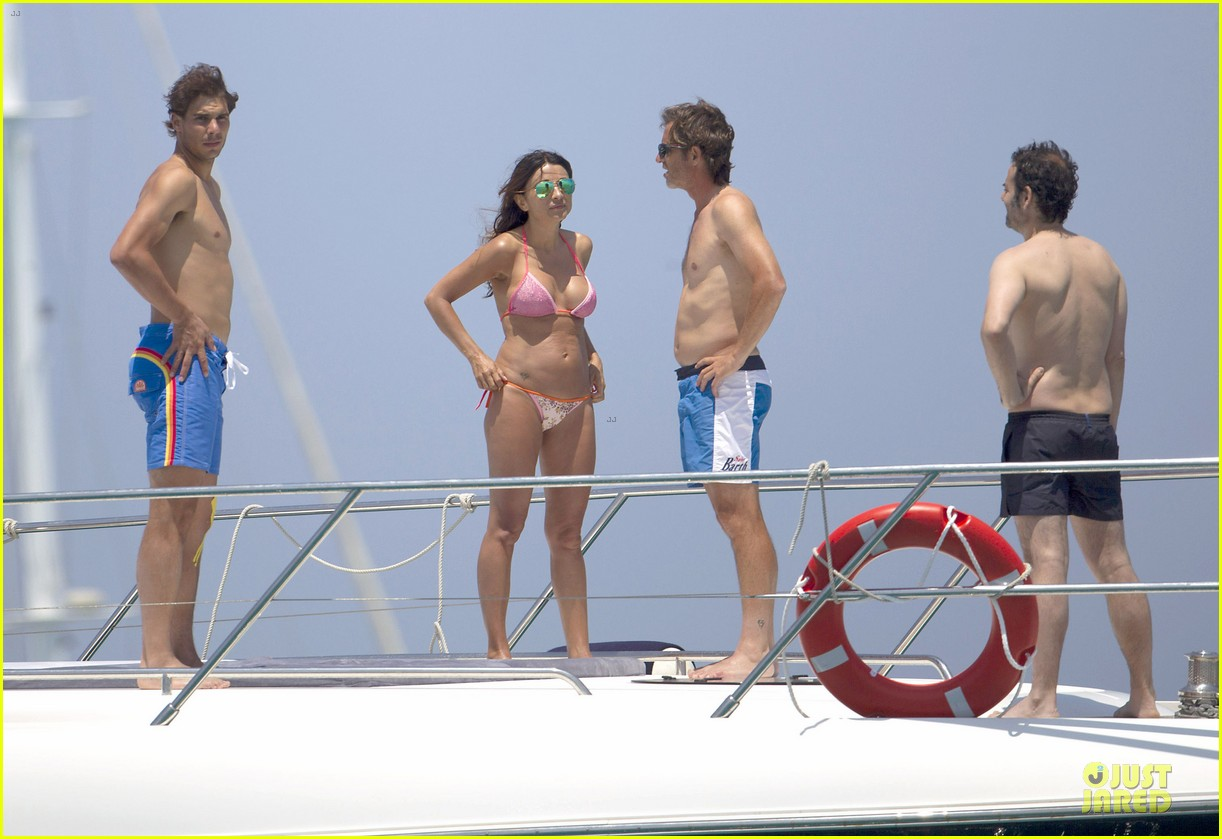 rafael nadal shirtless ibiza vacation with maria francisca perello 08