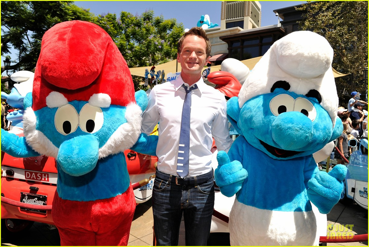 neil patrick harris global smurfs day celebration 08